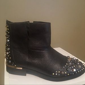 Modern Vice Women's Stud Accent Blk Ankle Boots